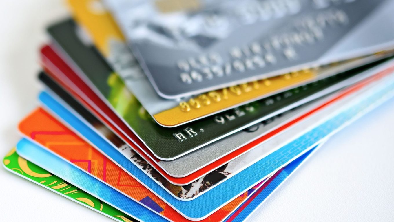 6 Simple Steps To Improve and Maintain A Healthy Credit Score